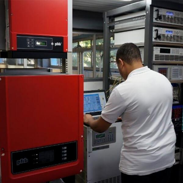 Criação do laboratório de ensaios de inversores PHB.